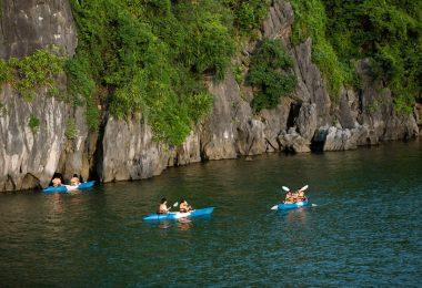 Cruise Kayaking