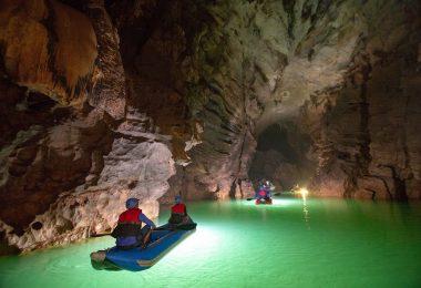 Phong Nha Kayaking